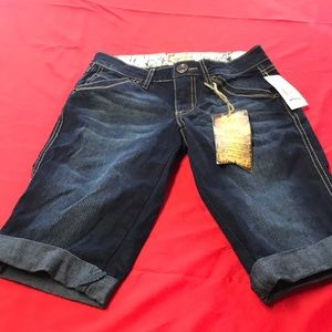 NEW WITH TAGS. Size 0 jean shorts knees length